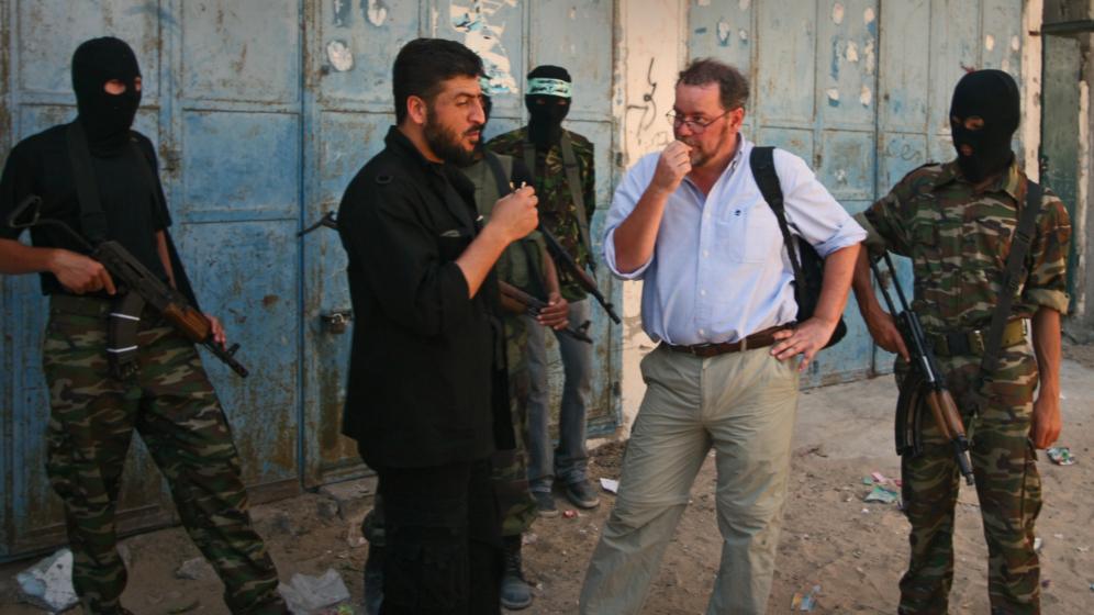 http://vaerket.dk/wp-content/uploads/2017/01/Steffen-med-Abu-Haroun-Fatah-Gaza_996x560_acf_cropped.jpg