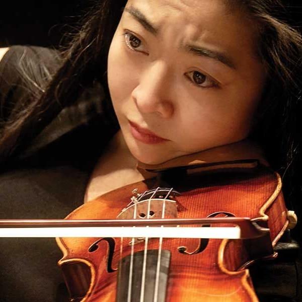 Mo Yi er solist